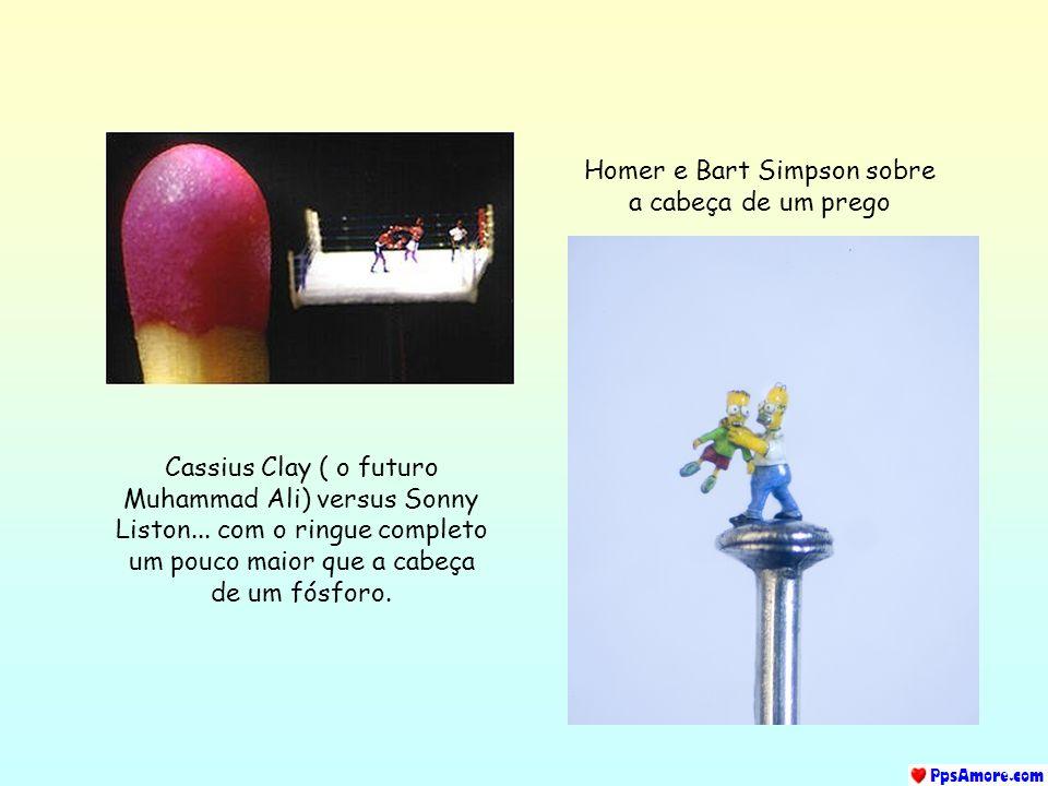 Homer e Bart Simpson sobre a cabeça de um prego