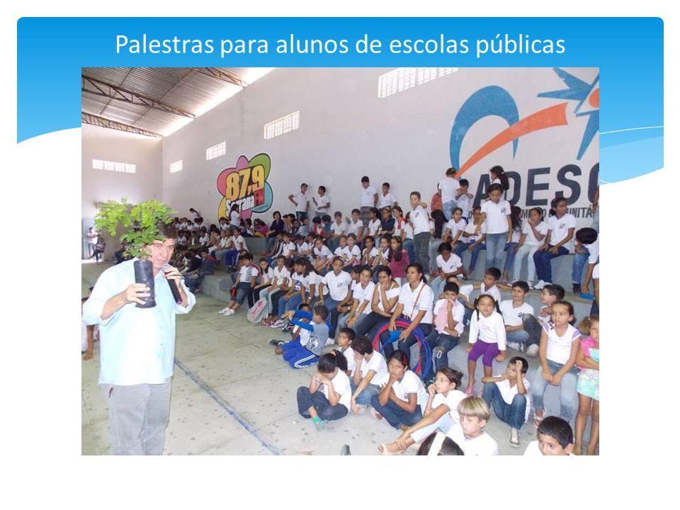 Palestras para alunos de escolas públicas