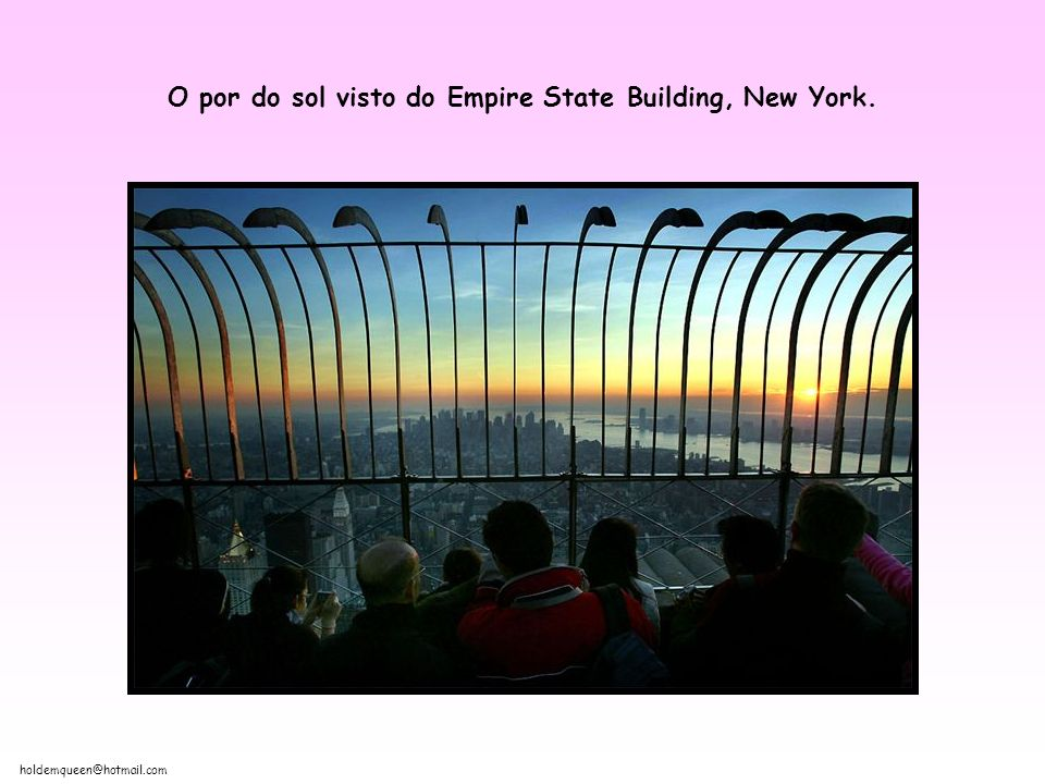 O por do sol visto do Empire State Building, New York.