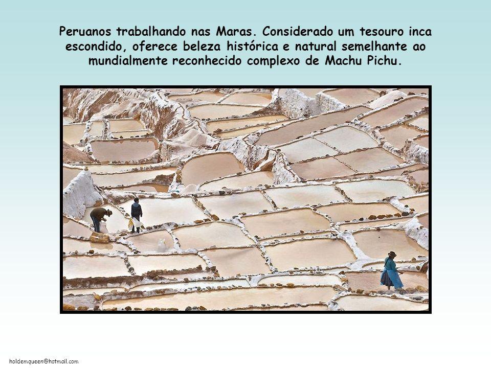 Peruanos trabalhando nas Maras