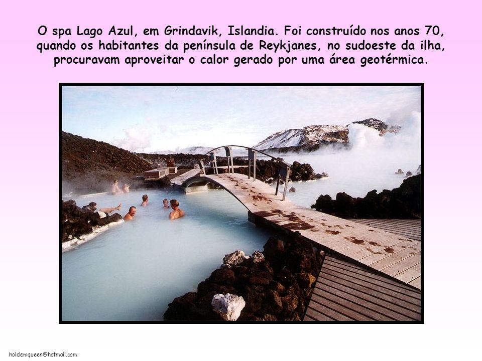 O spa Lago Azul, em Grindavik, Islandia
