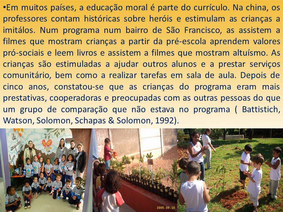 Em muitos países, a educação moral é parte do currículo