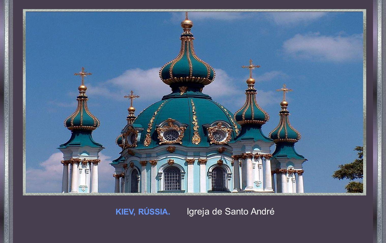 KIEV, RÚSSIA. Igreja de Santo André