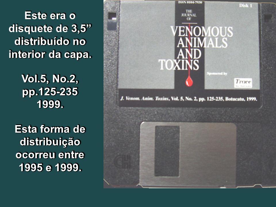 Este era o disquete de 3,5 distribuído no interior da capa.