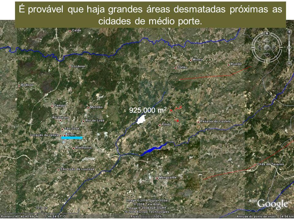 É provável que haja grandes áreas desmatadas próximas as cidades de médio porte.