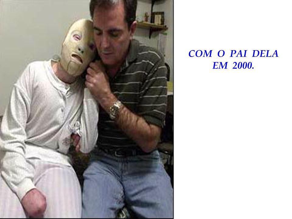 COM O PAI DELA EM 2000.