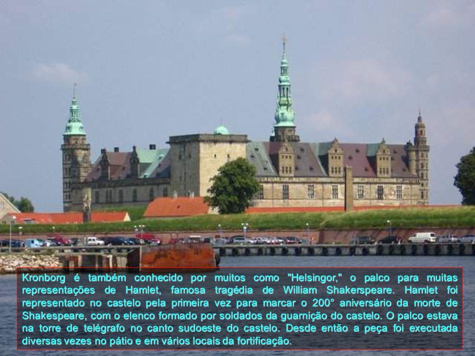 Kronborg é também conhecido por muitos como Helsingor, o palco para muitas representações de Hamlet, famosa tragédia de William Shakerspeare.