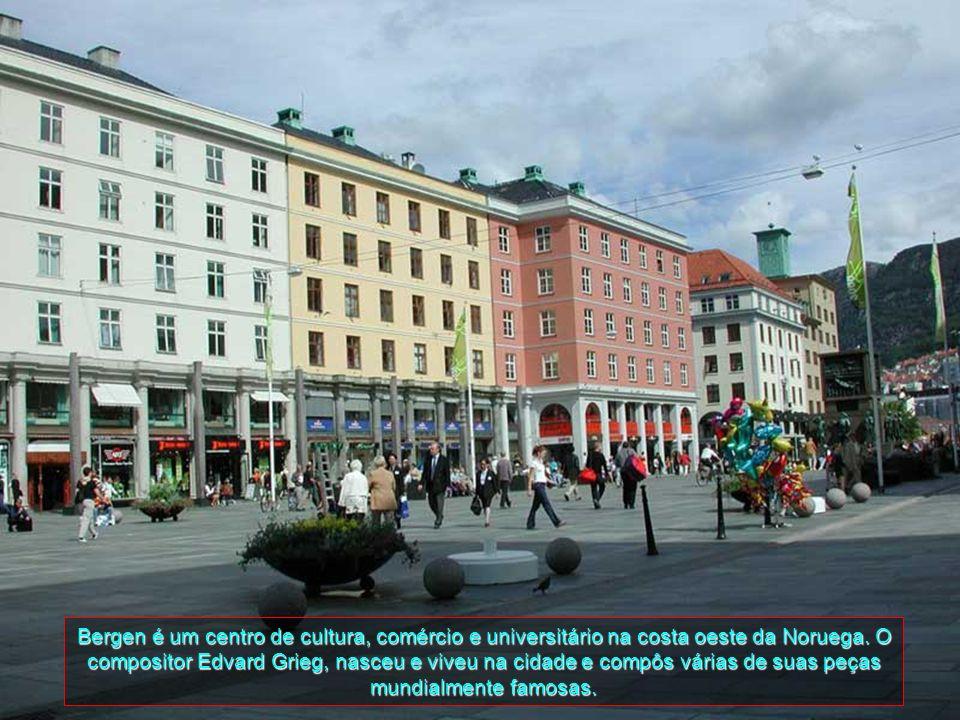 Bergen é um centro de cultura, comércio e universitário na costa oeste da Noruega.