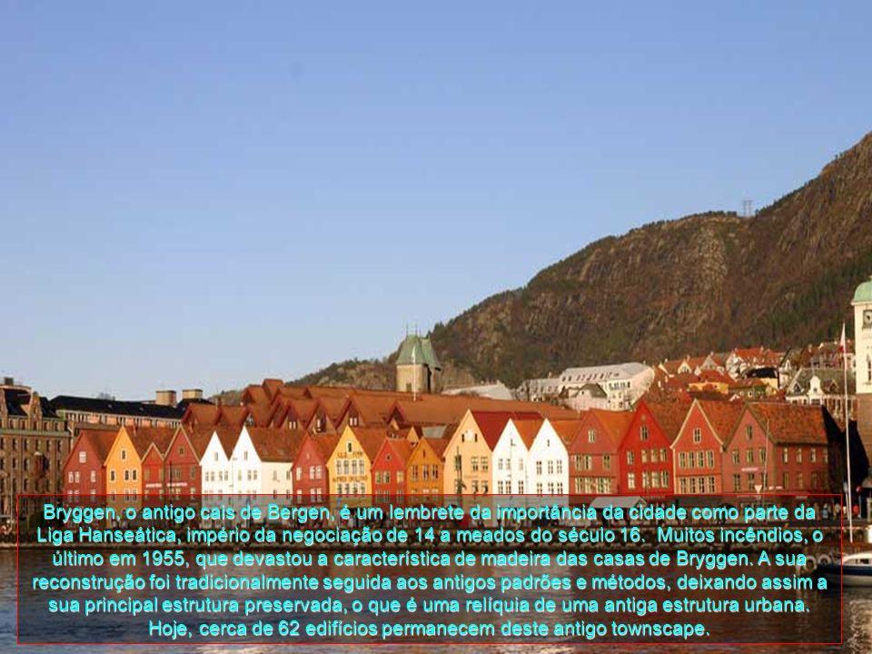 Bryggen, o antigo cais de Bergen, é um lembrete da importância da cidade como parte da Liga Hanseática, império da negociação de 14 a meados do século 16.