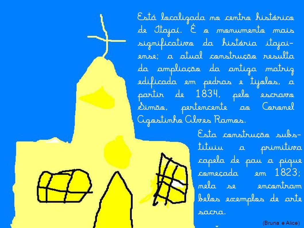 Está localizada no centro histórico de Itajaí