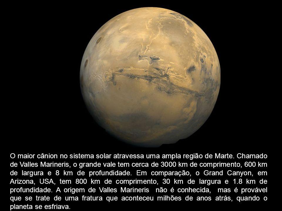 O maior cânion no sistema solar atravessa uma ampla região de Marte