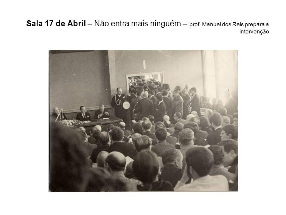 Sala 17 de Abril – Não entra mais ninguém – prof