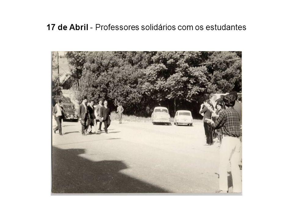 17 de Abril - Professores solidários com os estudantes