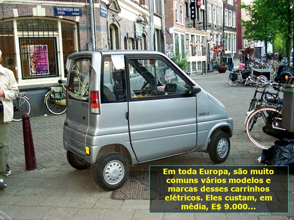 Em toda Europa, são muito comuns vários modelos e marcas desses carrinhos elétricos.