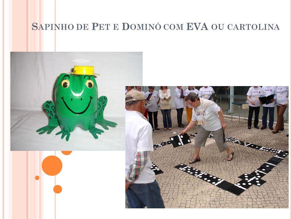 Sapinho de Pet e Dominó com EVA ou cartolina