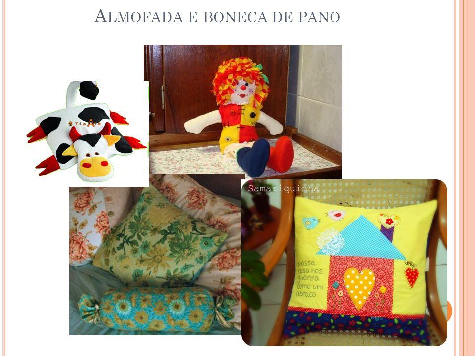 Almofada e boneca de pano