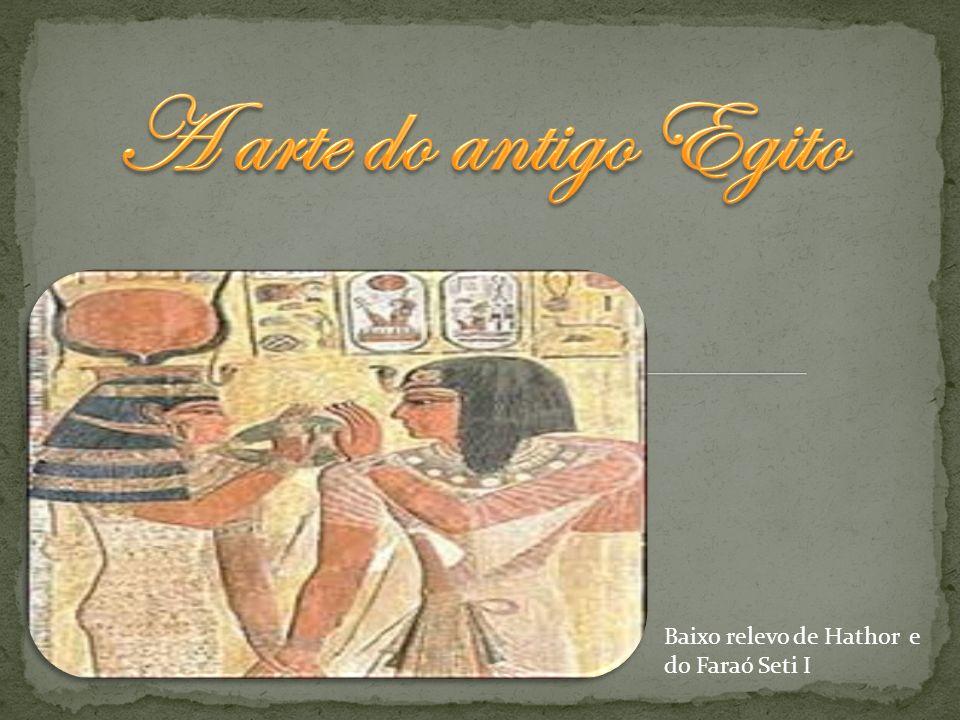 A arte do antigo Egito Baixo relevo de Hathor e do Faraó Seti I
