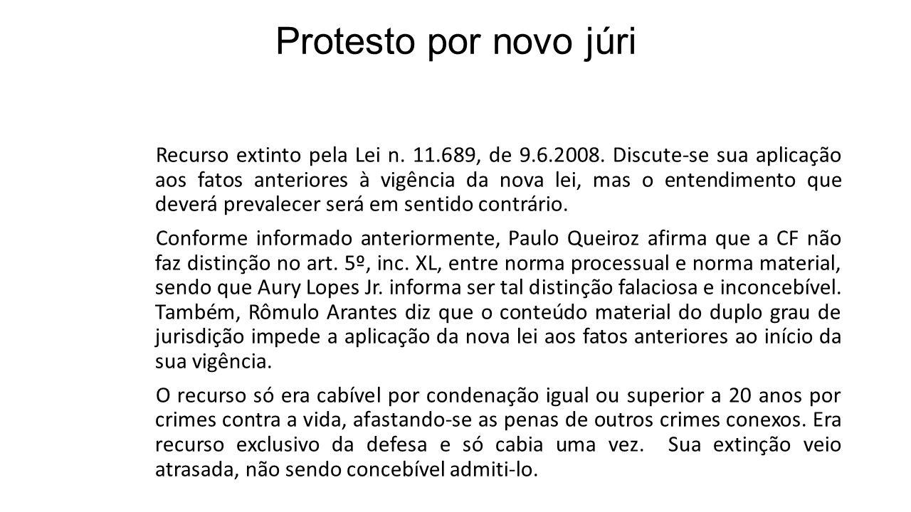 Protesto por novo júri