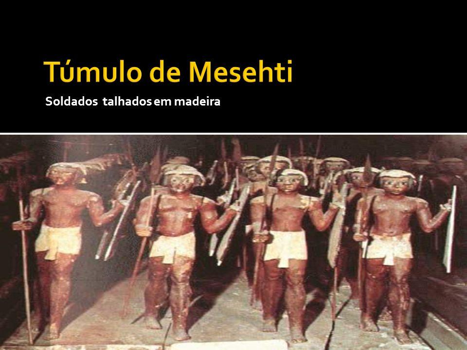Túmulo de Mesehti Soldados talhados em madeira