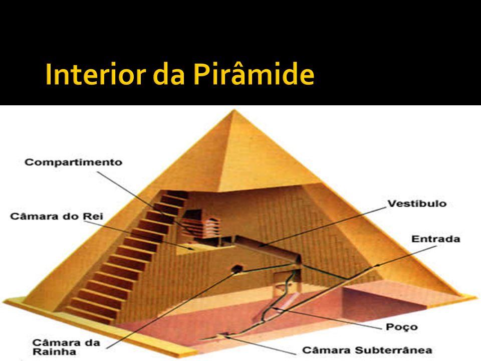 Interior da Pirâmide