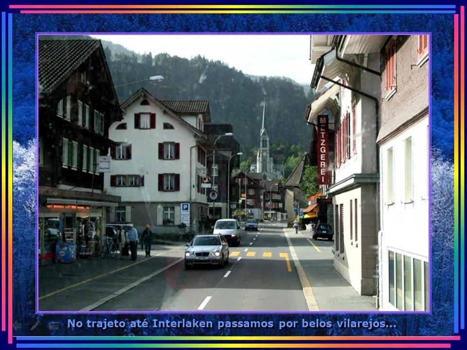 No trajeto até Interlaken passamos por belos vilarejos...