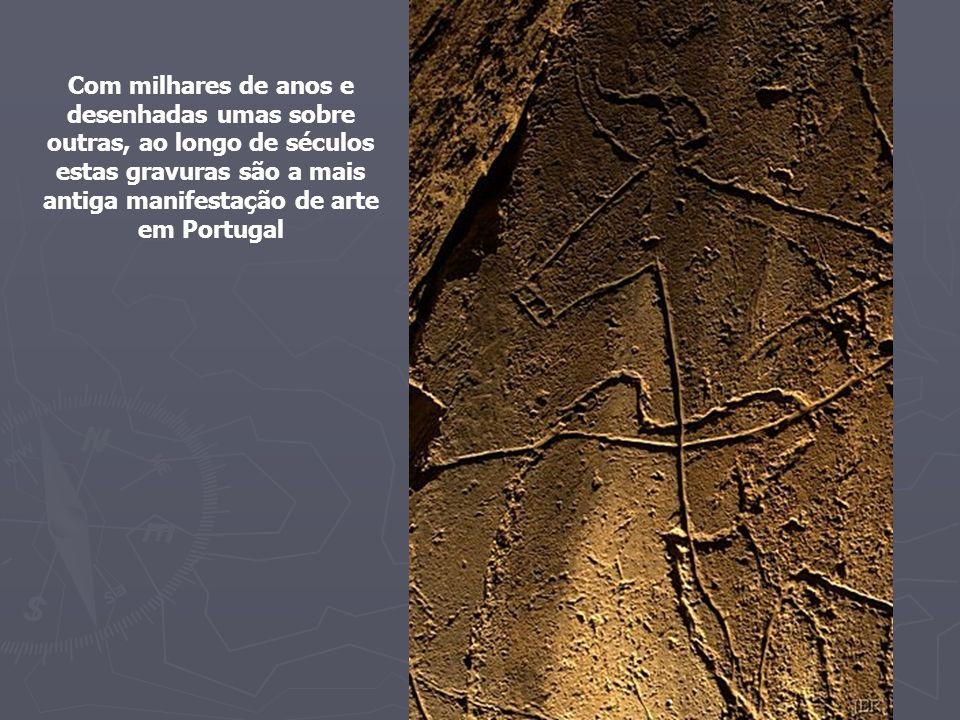 Com milhares de anos e desenhadas umas sobre outras, ao longo de séculos estas gravuras são a mais antiga manifestação de arte em Portugal