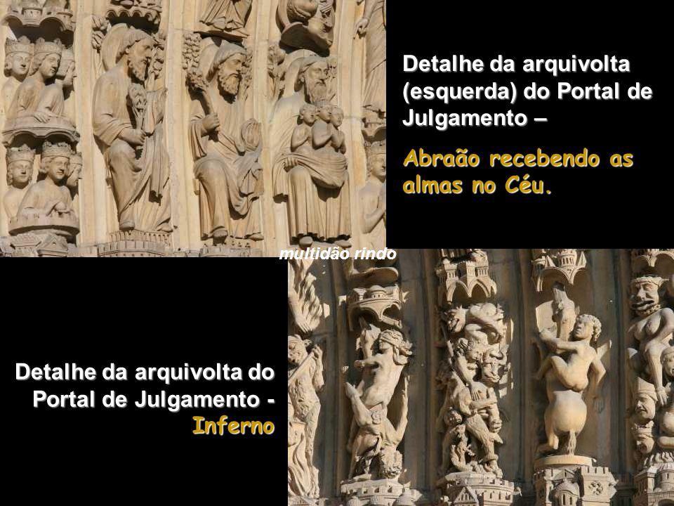 Detalhe da arquivolta (esquerda) do Portal de Julgamento –