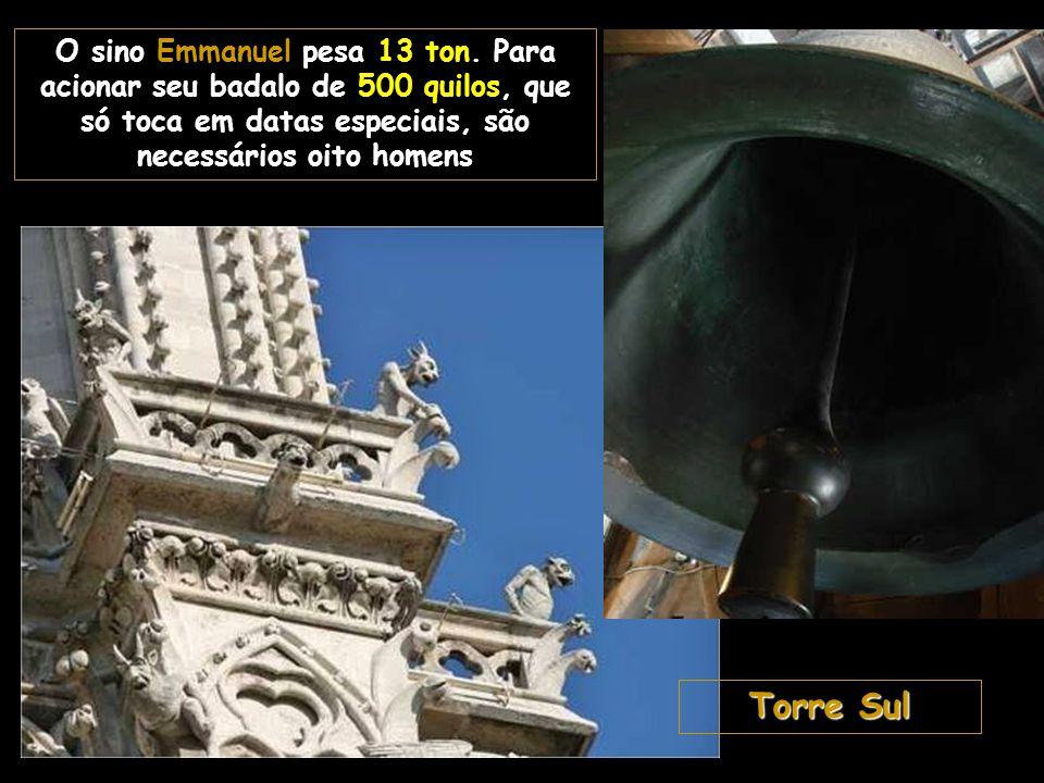 O sino Emmanuel pesa 13 ton