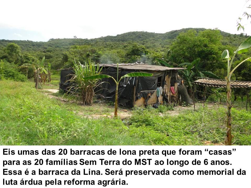 Eis umas das 20 barracas de lona preta que foram casas para as 20 famílias Sem Terra do MST ao longo de 6 anos.