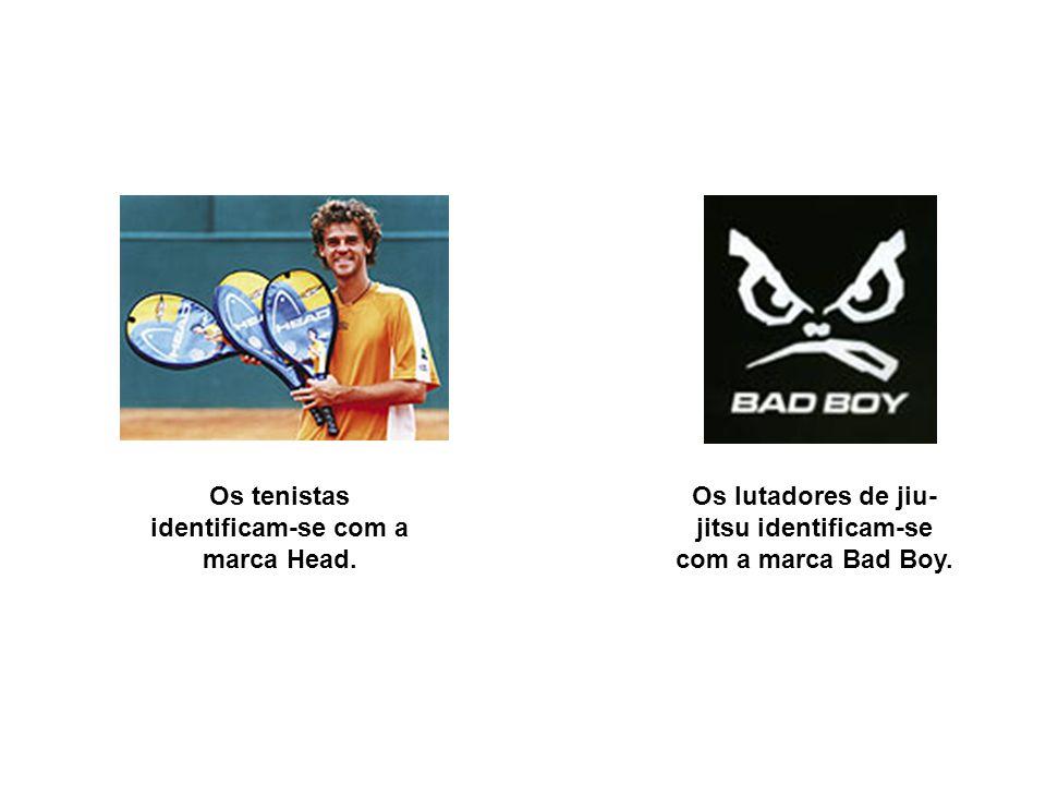 Os tenistas identificam-se com a marca Head.