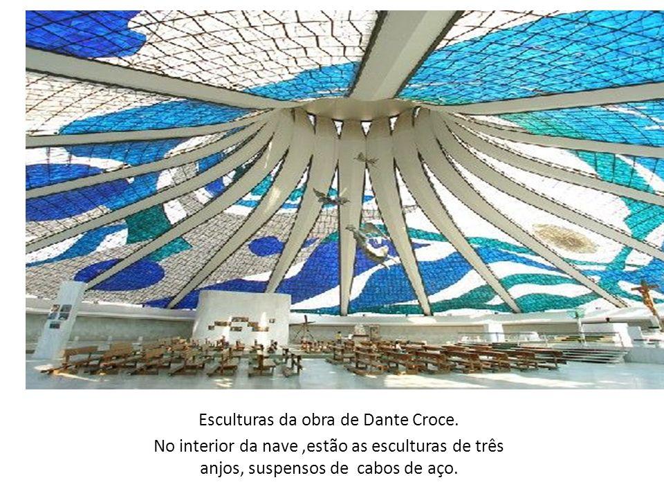 Esculturas da obra de Dante Croce.