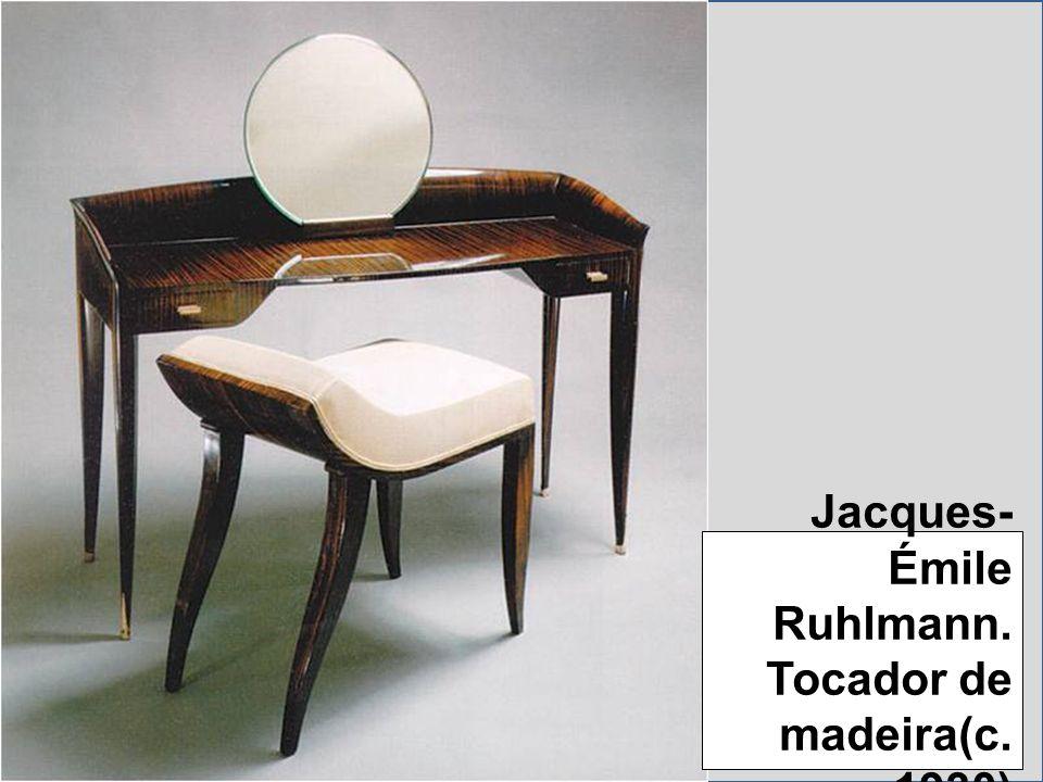 Jacques-Émile Ruhlmann. Tocador de madeira(c. 1930)