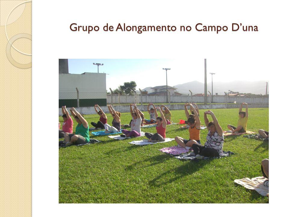 Grupo de Alongamento no Campo D'una
