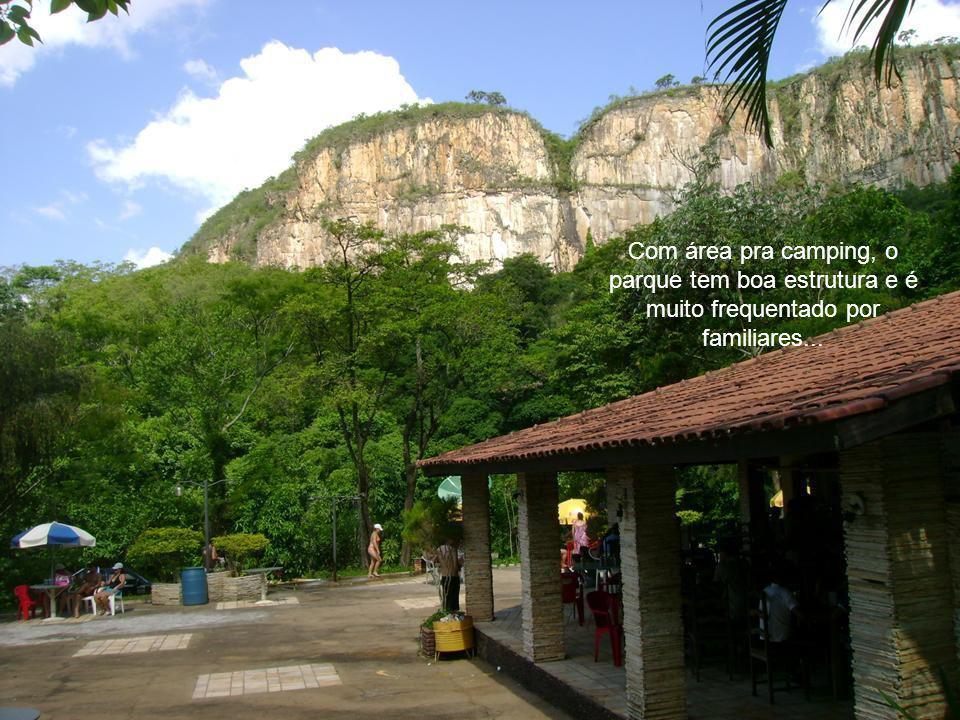Com área pra camping, o parque tem boa estrutura e é muito frequentado por familiares...