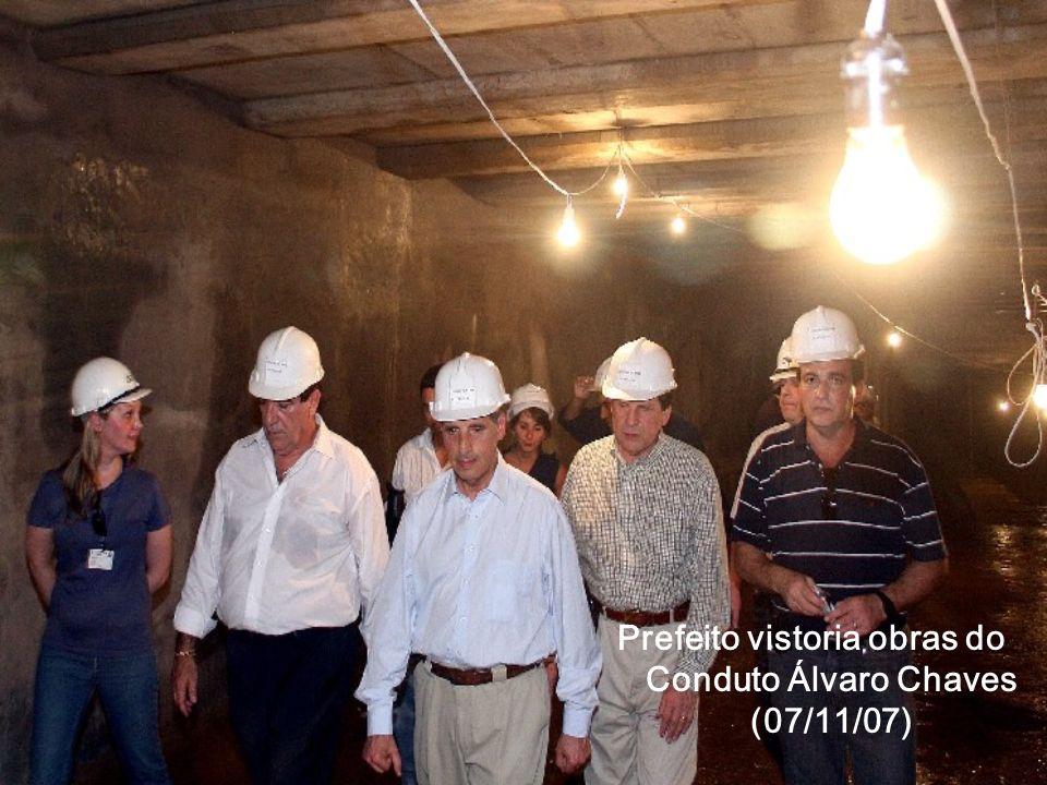 Prefeito vistoria obras do Conduto Álvaro Chaves (07/11/07)
