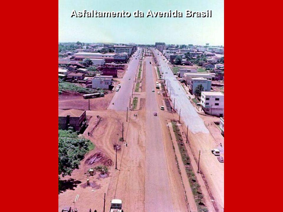Asfaltamento da Avenida Brasil