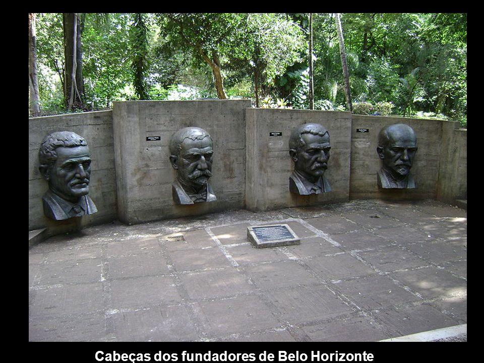 Cabeças dos fundadores de Belo Horizonte