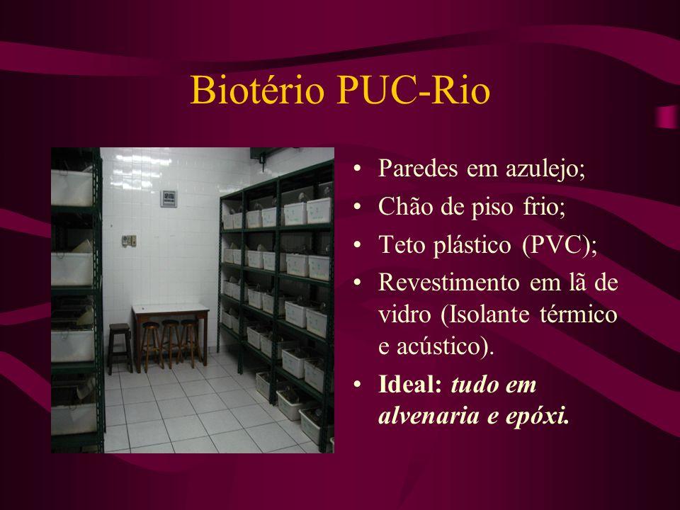 Biotério PUC-Rio Paredes em azulejo; Chão de piso frio;