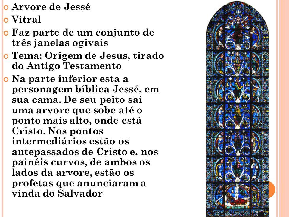 Arvore de Jessé Vitral. Faz parte de um conjunto de três janelas ogivais. Tema: Origem de Jesus, tirado do Antigo Testamento.