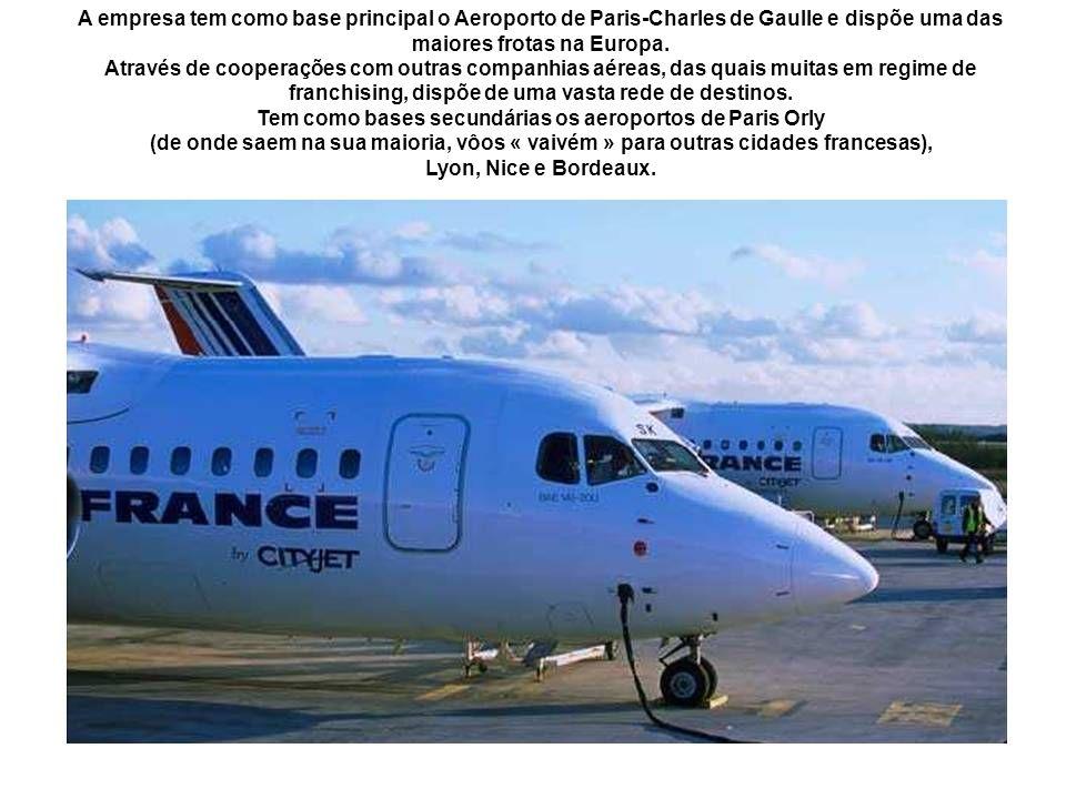 Tem como bases secundárias os aeroportos de Paris Orly