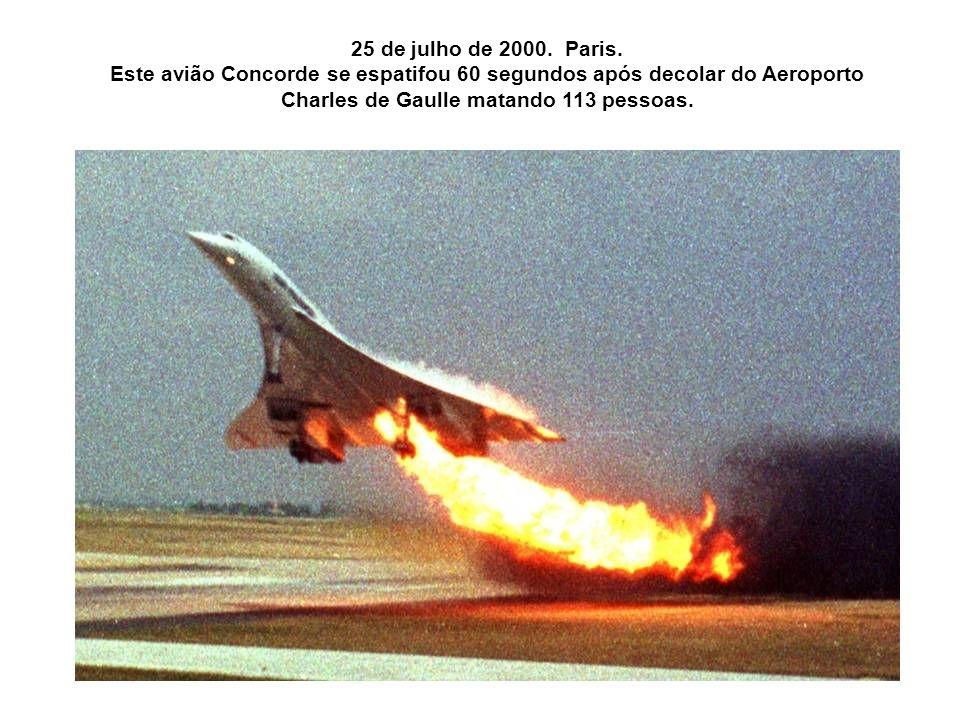 25 de julho de 2000. Paris.