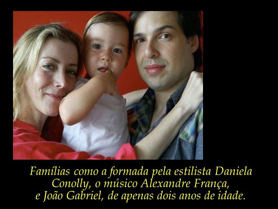 e João Gabriel, de apenas dois anos de idade.