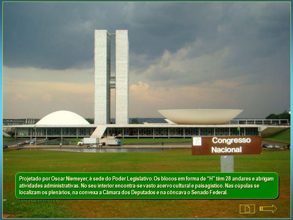 Projetado por Oscar Niemeyer, é sede do Poder Legislativo