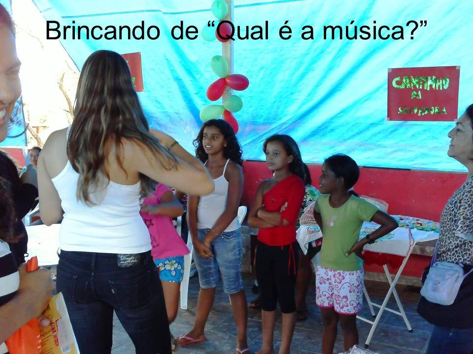 Brincando de Qual é a música