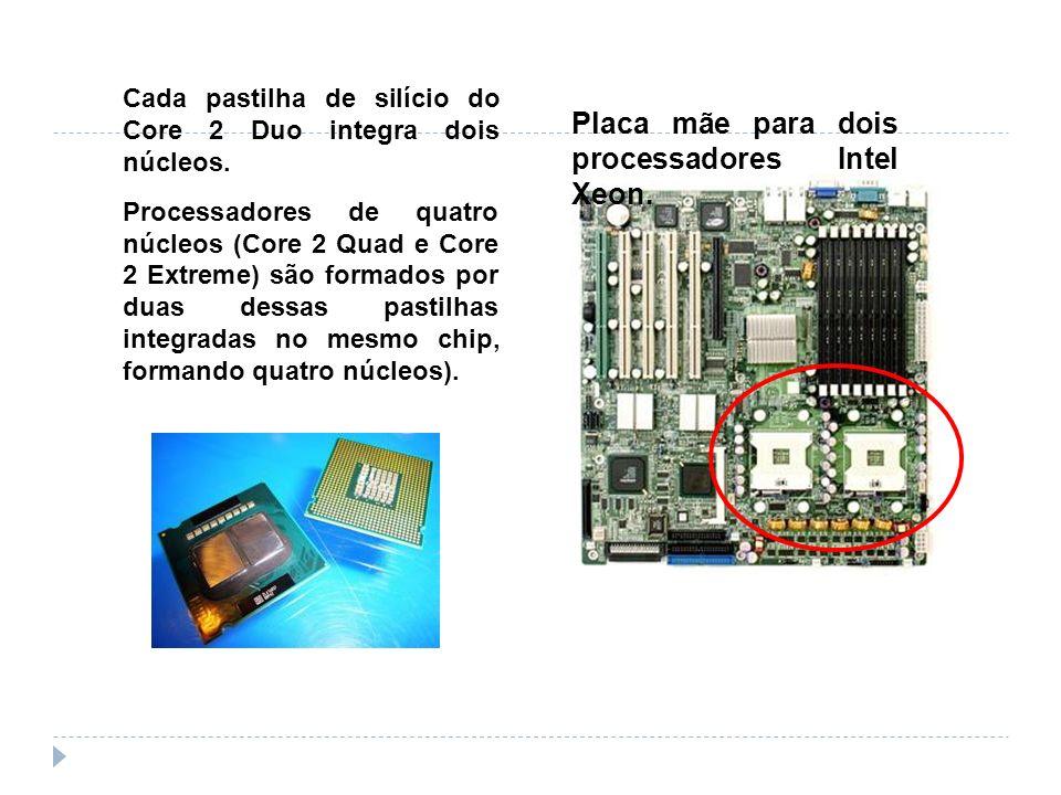 Placa mãe para dois processadores Intel Xeon.