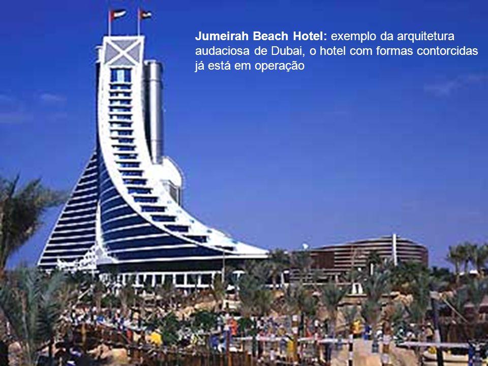 Jumeirah Beach Hotel: exemplo da arquitetura audaciosa de Dubai, o hotel com formas contorcidas já está em operação