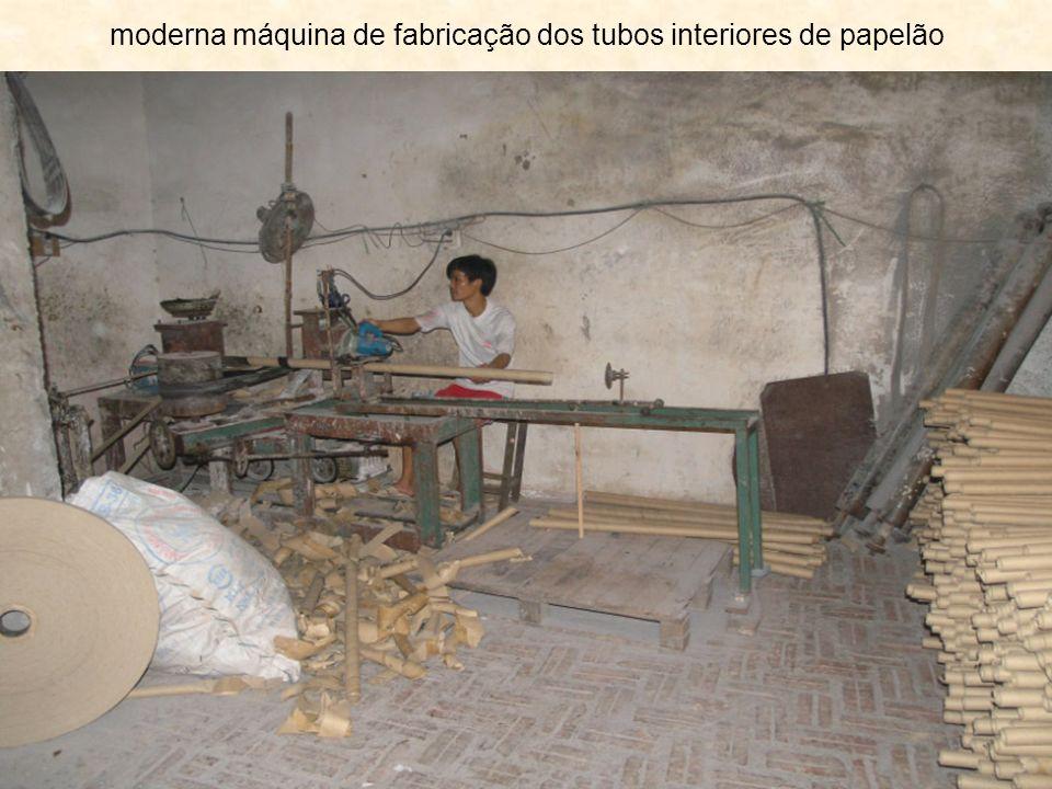 moderna máquina de fabricação dos tubos interiores de papelão