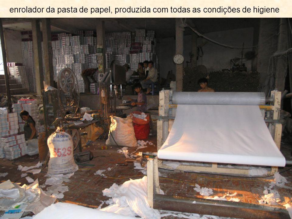 enrolador da pasta de papel, produzida com todas as condições de higiene