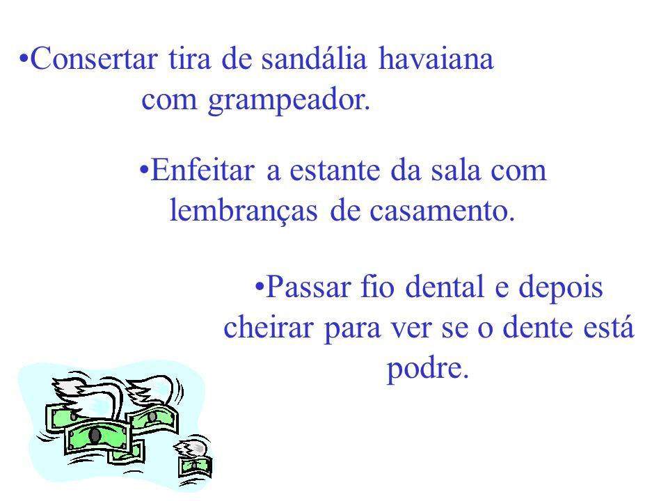 Consertar tira de sandália havaiana com grampeador.