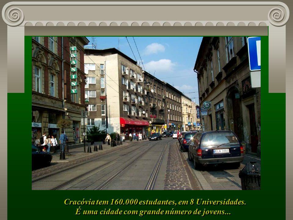 Cracóvia tem 160.000 estudantes, em 8 Universidades.